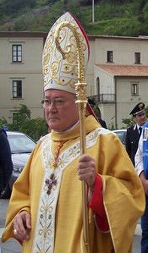 Renato Martino - Image: Sua eminenza Renato Raffaele Martino (cropped)