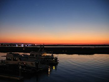 English: Wildwood Crest Sunset on the back bay...