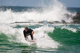 Surfing (175372535).jpg