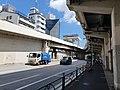 Tengenji toll gate, garbage truck, bus stopping, under 首都高速2号目黒線.jpg