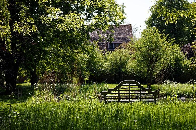File:Thakeham Bench at Easton Lodge Gardens, Little Easton, Essex, England 02.jpg