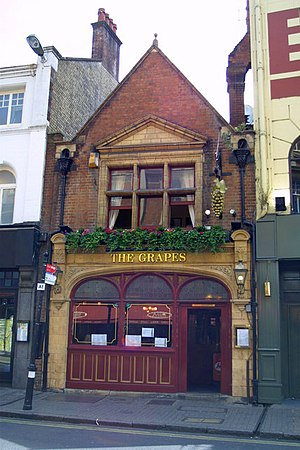 George Street, Oxford - The Grapes public house on George Street.