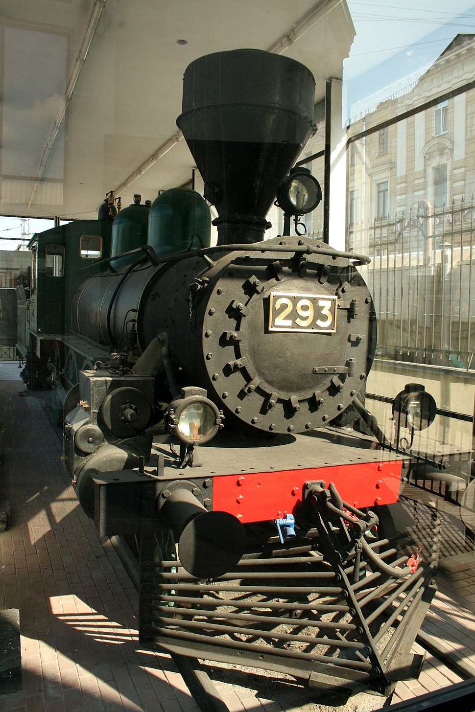 The locomotive M-293, which in August 1917 Lenin went to Finland