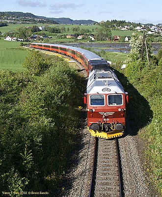 Nordland Line - NSB Di 4 hauling a passenger train through Malvik