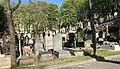 Tombes au cimetière de Montmartre.jpg