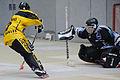 Torsituation beim Inline-Skaterhockey.jpg