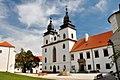 Trebic, Schloss und Basilika St. Prokop (38001538324).jpg