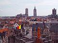 Tres torres de Gante desde el castillo de Carlos V, Gante, Bélgica - panoramio.jpg