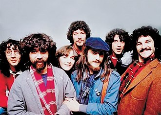Juan Carlos Baglietto - In the early 1980s, Baglietto (3rd from the right) was the spearhead of the Argentine music trend called trova rosarina.