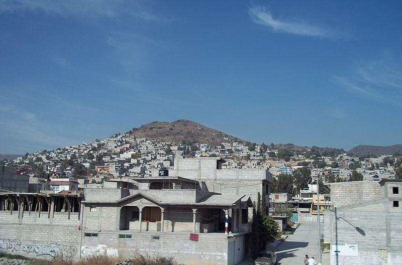 File:Tulpetlac, Ecatepec.JPG