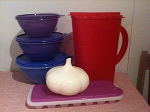 English: Tupperware brand plastic containers 2...