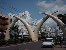 Tusks in Mombasa.jpg