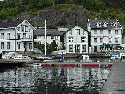 How to get to Tvedestrand with public transit - About the place