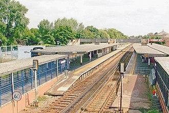 Twickenham railway station - Image: Twickenham Station geograph 4044912 by Ben Brooksbank