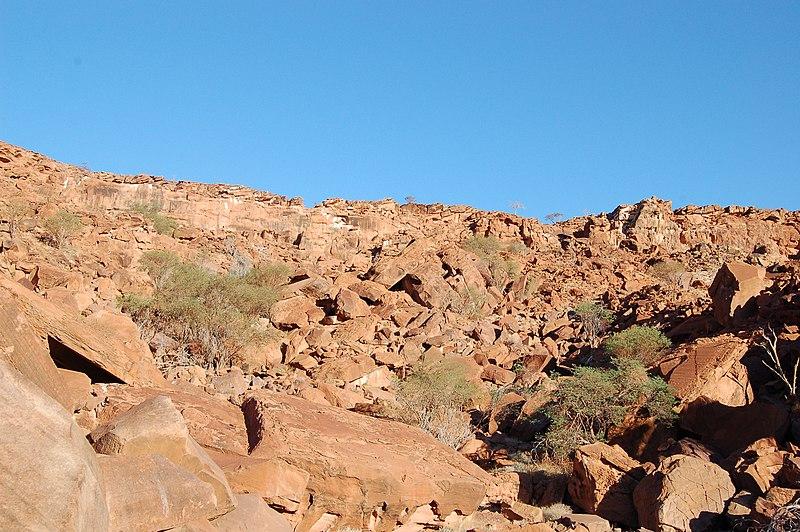 File:Twyfelfontein Rockpaintings, Namibia (3037457389).jpg