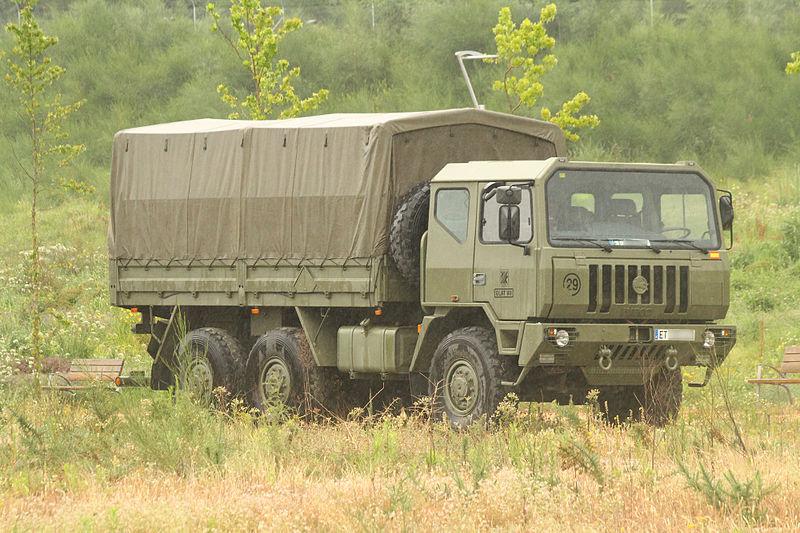 File:Un camión Iveco-Pegaso M.250.37WM 6×6 de la BRILAT.jpg