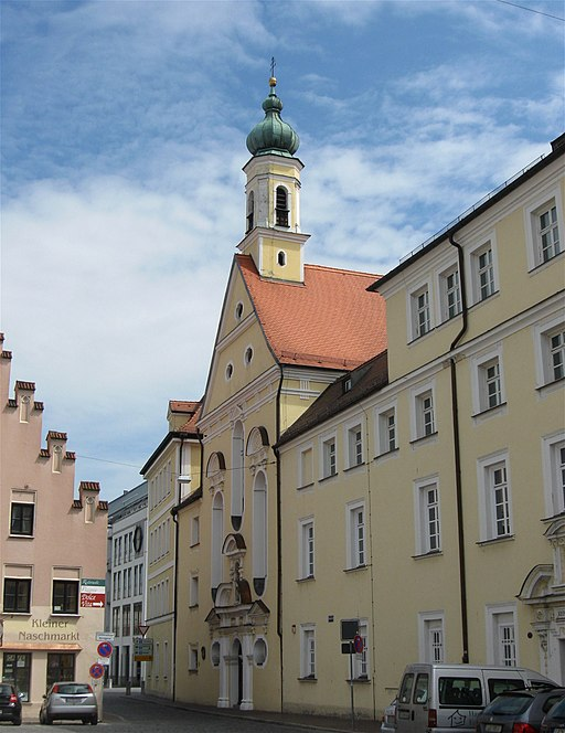 512px-Ursulinenkirche_Landshut-3.jpg
