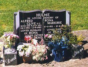 Clive Hulme - Hulme's grave