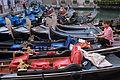 Venice - Gondolier - 4363.jpg