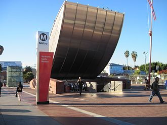 Vermont/Santa Monica station - The entrance of the station with the sign pillar design of 2003-2014