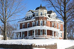 Victorian house on Ridge Pike
