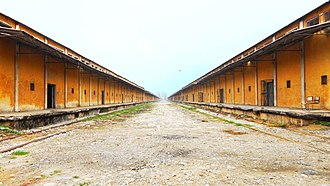 Muzaffarnagar - Central Warehousing Corporation Godown sheds in Bamanheri, Muzaffarnagar (India). This is stocked by Food Corporation of India.