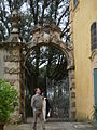 Villa la pietra, pomario, ingresso 02.JPG