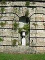 Villa reale di marlia, villa del vescovo, nicchia nel bastione.JPG