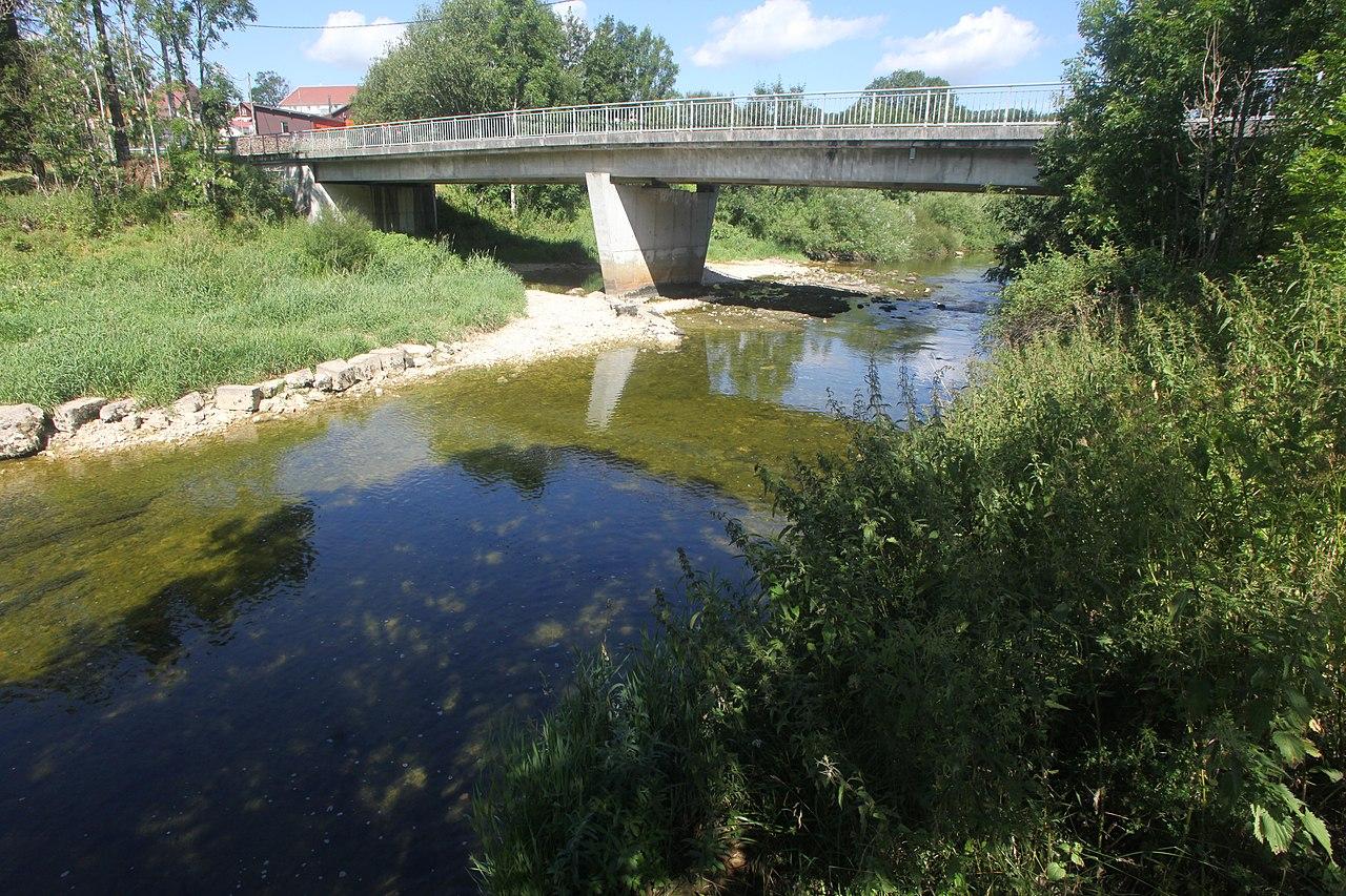 File ville du pont le doubs img wikimedia for Piscine sollies pont