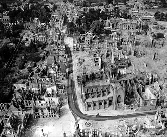 Vire - Aerial view after the bombardment in 1944