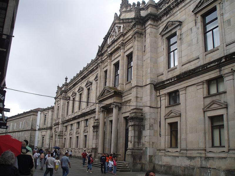 File:Vista de la Facultad de Medicina de Santiago de Compostela.JPG
