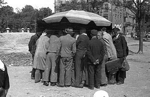 Three-card Monte - A three-card Monte stand in Warsaw, July 1944
