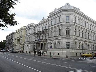 Ujazdów Avenue - Image: Warszawain 5