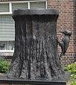Wassenaar kunstwerk boomstronk met specht.jpg