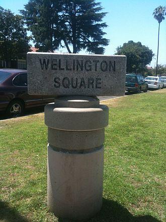 Wellington Square, Los Angeles - Wellington Square neighborhood sign