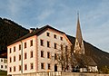 Widum und Kirche St. Michael Gnadenwald.jpg