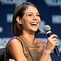 Willa Holland - Heroes & Villains Fan Fest 2016 05.jpg