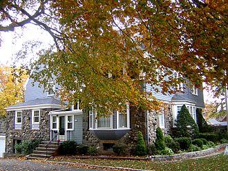 William R. Bateman House - Image: William R. Bateman House Quincy MA 03