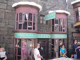 Wizarding World of Harry Potter - Gladrags Wizard Wear (5013545847).jpg