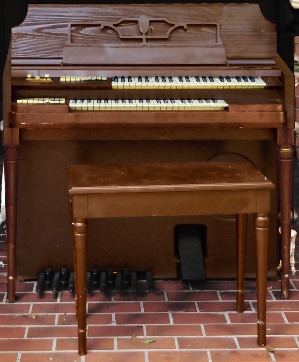 Wurlitzer Model 44 Electrostatic Reed Organ