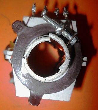 Deflection yoke - Image: Yoke coil 3