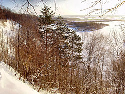 Белая гора и водохранилище.jpg