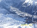 Вид на Шамони с самого высокого подъемника в Европе (3842 м) - panoramio.jpg