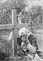Женщина оплакивает мужа у подножия креста.jpg
