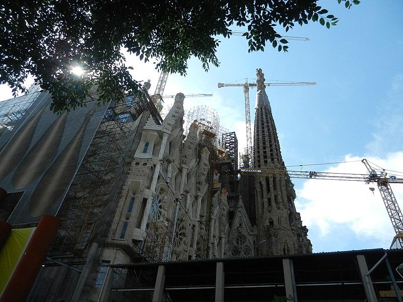 File:Недостроенное сооружение - panoramio.jpg