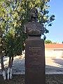 Памятник Магубе Сыртлановой в Белогорске (2018).jpg