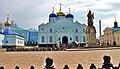 Памятник святителю Тихону Задонскому и церковь рождества Пресвятой Богородицы.jpg
