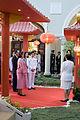 สมเด็จพระเทพรัตนราชสุดาฯ สยามบรมราชกุมารี ทรงทอดพระเนต - Flickr - Abhisit Vejjajiva (1).jpg