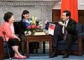 104年10月7日 馬英九總統接見美國飛虎隊陳納德將軍遺孀陳香梅女士 (21845241550).jpg