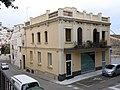 112 Casa a la pl. Gabriel Macià - c. Sant Jaume (Canet de Mar).JPG